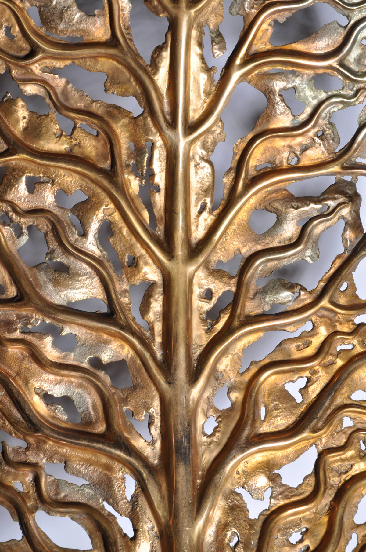 Life Leaf Bronze Contemporary  British Gallery Artist Sculpture tree sculpture corporate sculpture sculpture for hotels and restaurants garden sculpture RHS Cheslea Flower Show by Mark Reed