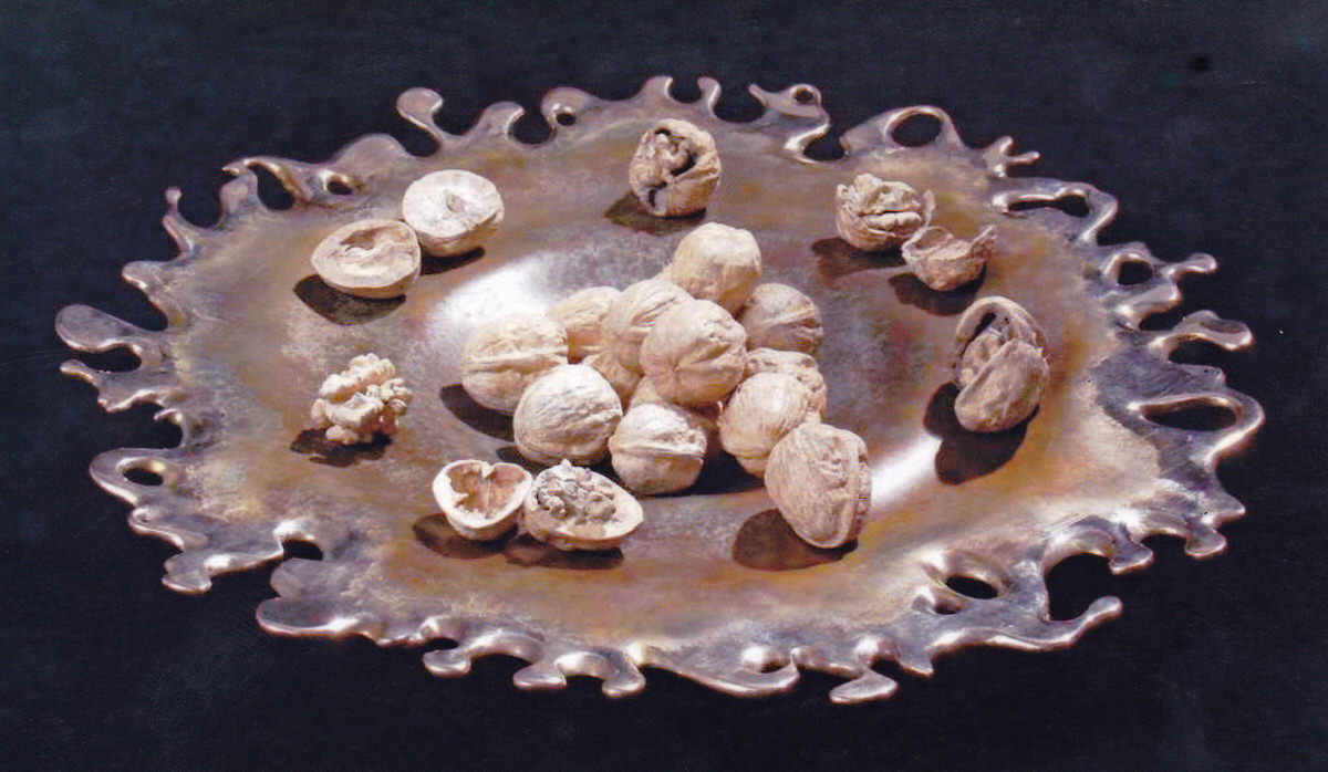 Bronze splashy bowl with bronze walnuts sculpture by sculptor Mark Reed bespoke  interior accessories
