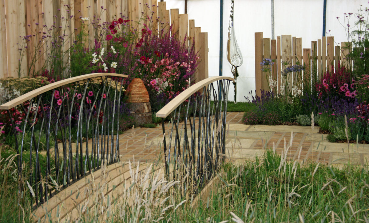 Prince's Trust bridge commission for Prince Charles showgarden RHS flower show by Mark Reed